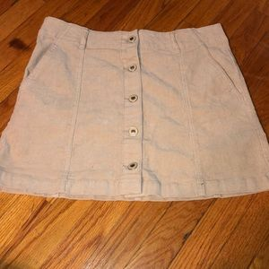 IN NEW CONDITION FOREVER 21 beige skirt